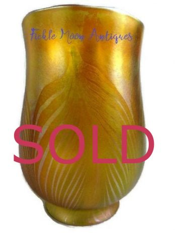 zzzzzz SOLD   ****      SOLD*******  Quezal Art Glass Shade