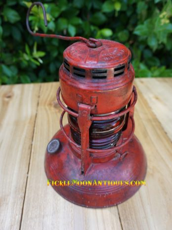 Dietz Traffic Gard No. 40 Lantern Vintage Lamps Traffic Control Railroad Embury Manufacturing R. E. Dietz Syracuse New York